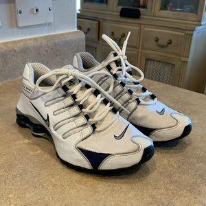 Nike shox sample size 9